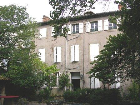 Carcassonne historique: superbe ensemble immobilier XIXème